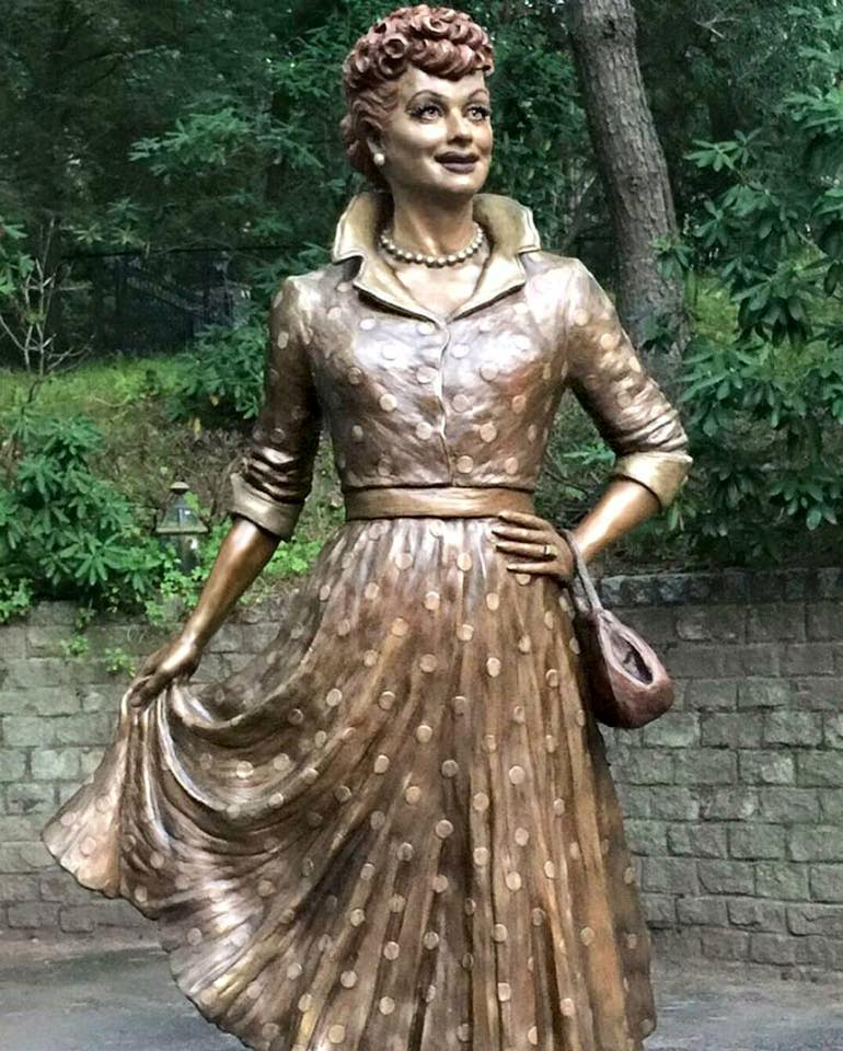 The new statue of lucille ball that was unveiled on saturday aug 6